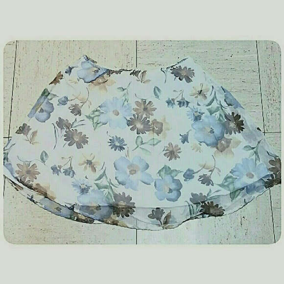 Dresses & Skirts - *CLEARANCE*Floral Pastel Mini-Skirt Cream Size Med